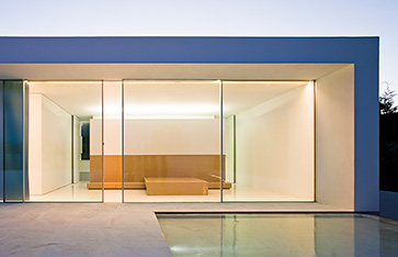 Goldbrecht systems curtain walls metal windows and for Oversized doors